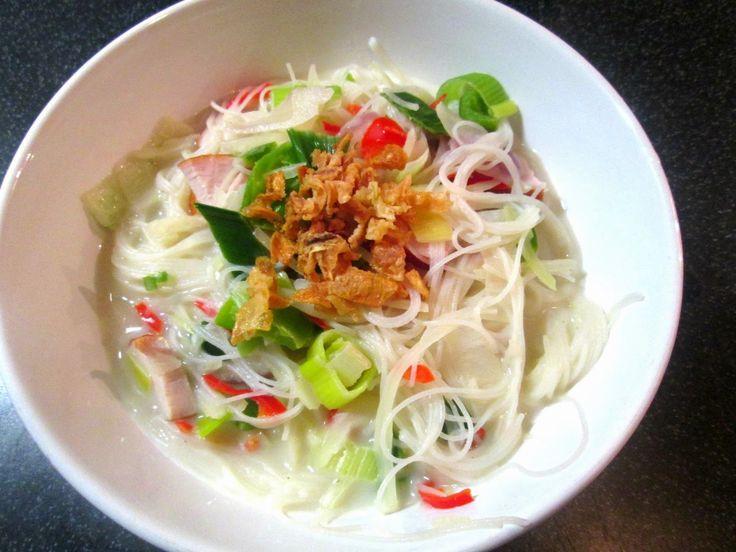 Zin in een gezonde maaltijd die in 10 minuten op tafel staat? Maak deze fantastische thaise kokossoep!