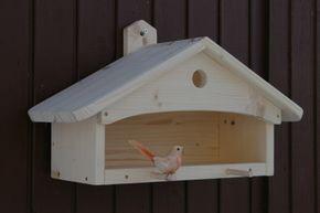 Kleines Vogelhäuschen aus Holz