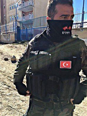 Gün Birlik Günüdür. Türkiye hiç olmadığı kadar bir mızrak ormanının içinden geçiyor. Partizanlığın, günlük siyasi itiş kakışların, sığ ve yüzeysel lafların zamanı değil. Net, kesin, açık, aleni ve cesurca ulusal birlik ve beraberliğe ihtiyaç var. Osman Pamukoğlu