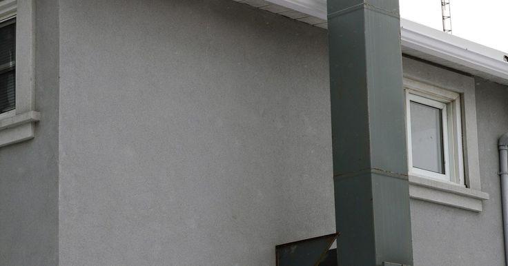"""Pros y contras de un enfriador evaporativo. Si has visto casas en un clima seco, habrás notado las cajas cuadradas instaladas en los techos. Estas cajas alojan enfriadores de evaporación o """"deshumidificador"""", que utilizan el proceso de enfriamiento natural de la evaporación de agua para enfriar una casa. Sin embargo, no todos los edificios en todos los climas se pueden beneficiar de un ..."""