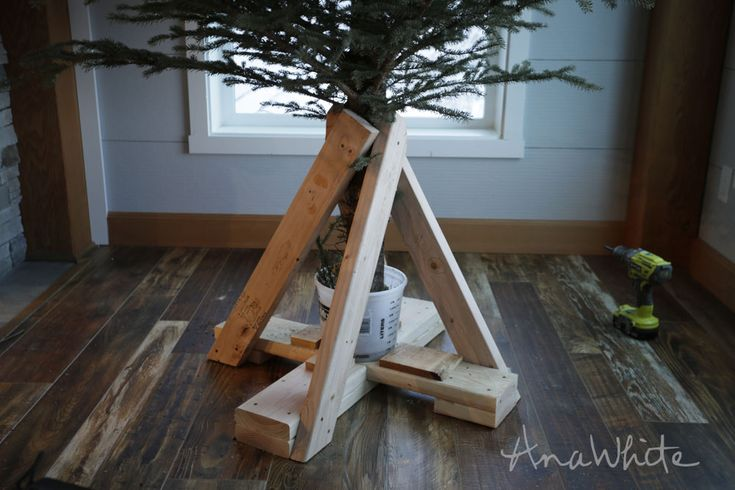 Ana White | Heavy Duty Christmas Tree Stand - DIY Projects