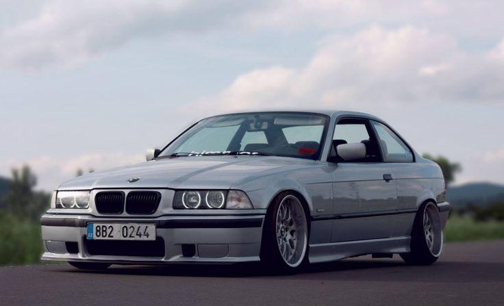 Silver BMW e36 coupe on Rondell 058 wheels E36 série 3