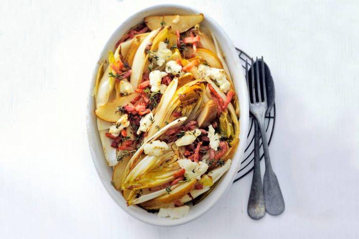 17 februari in de bonus - Witlof - Uit de oven nieuwe stijl, met geitenkaas, spek en tijm - Recept - Witlof met peer - Allerhande