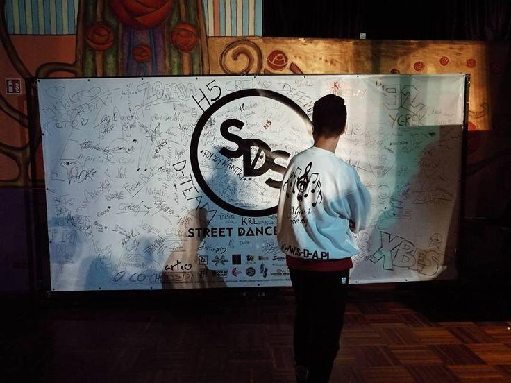"67 Me gusta, 1 comentarios - Damian Kostka (@free3hands) en Instagram: ""... street dance story... --- More photos on FB... link im my bio. --- #fotoraportPolska…"""