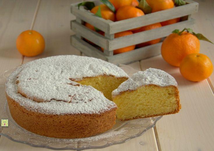 La torta al mandarino è una deliziosa torta da dispensa perfetta per colazione, merenda, ma anche come fine pasto che piace a tutti.
