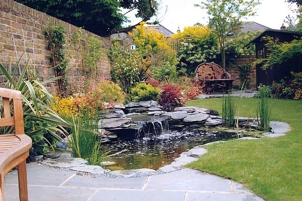 No.9 Lakeland Slate Wildlife Pond 10ft x 8ft (3m x 2.4m).<br>This water feature is adaptable for small fish at the same price.