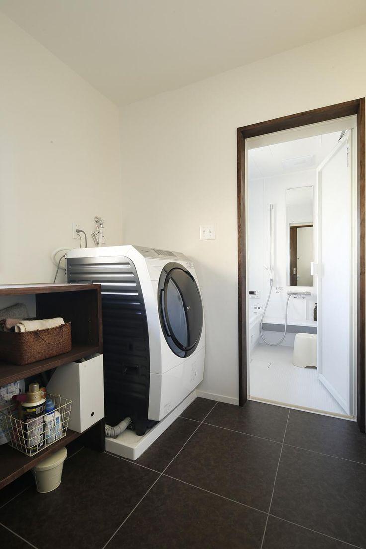 Y邸・昔懐かしい昭和時代のレトロな住まいの部屋 浴室・ランドリースペース