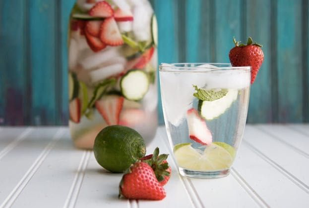 DIY Detox With These Easy To Make Refreshing Detox Waters