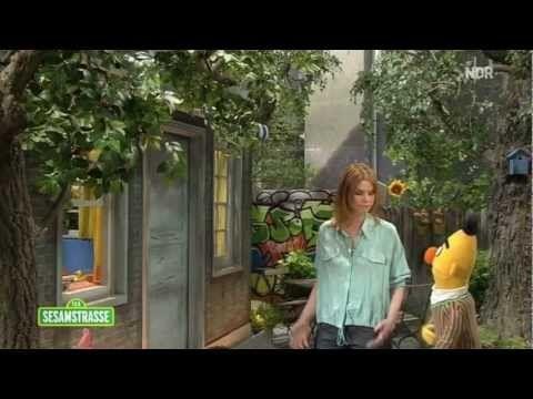 'Komm endlich raus und spiel' - JULI macht Musik mit Ernie und Bert - Sesamstraße - NDR - ARD