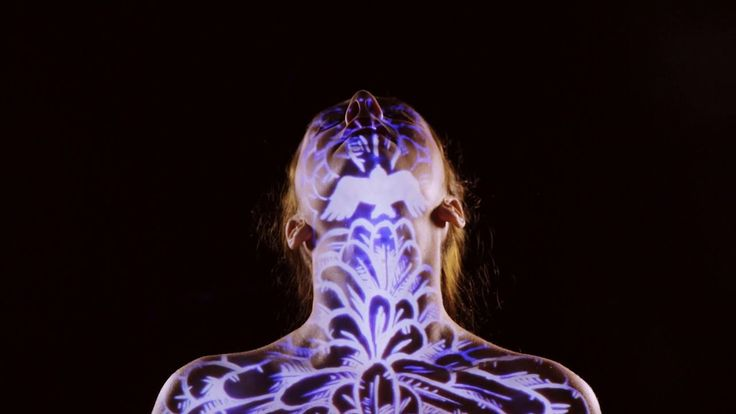 'Come Closer', A Trippy Music Video by Singer Emmy Curl Shot in One Take With Live Body Projections