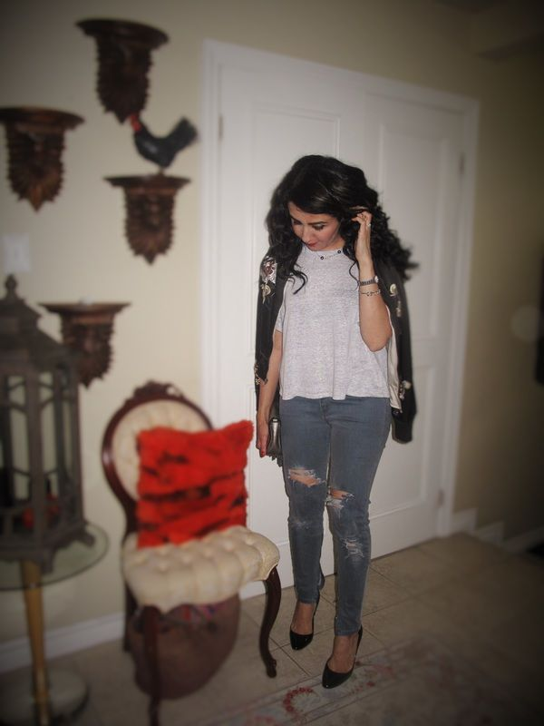 My Disaster DIY Ripped Jeans  http://www.wellputtogetherstylebyelmira.com #mommyblogger from #toronto