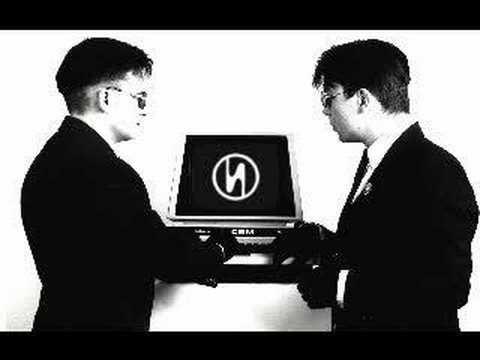 Welle:Erdball - Lass uns ein Computer sein, via YouTube.