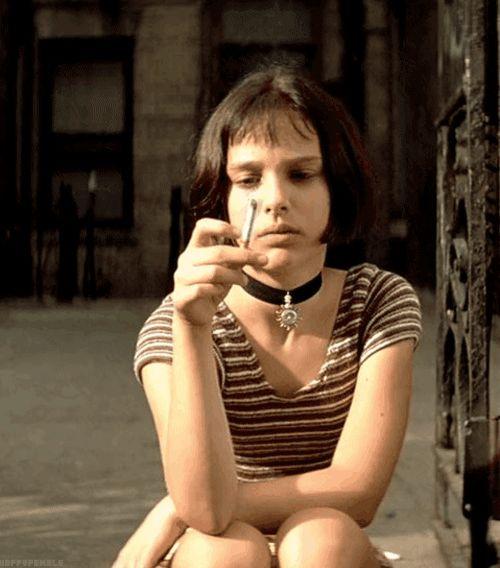 """A 13 ans, elle cartonne dans le film de Luc Besson """"Léon"""" aux côtés de Jean Réno…   14 faits qui prouvent que Natalie Portman est un génie"""