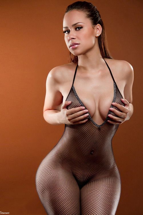 Wider women nude #13
