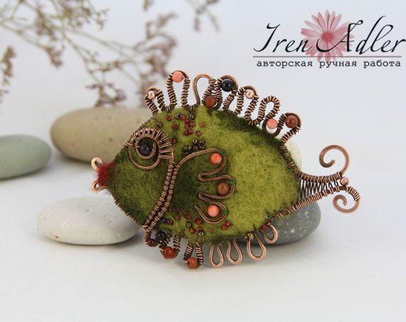 *NEEDLE FELTING ART ~ Brooch Green Fish, felted brooch fish.