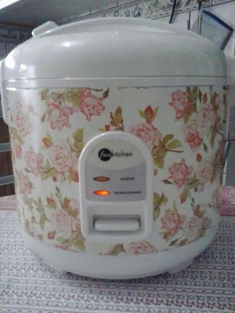 Papel contact na panela de arroz