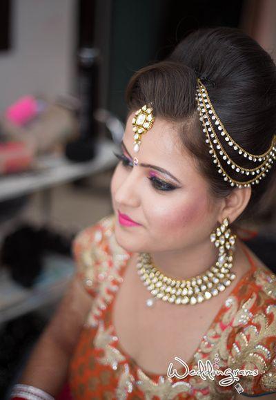 side way matha patti, poofy hairstyle, hair ornaments, hair jewellery,  hair jewellery, maang tikka, matha patti