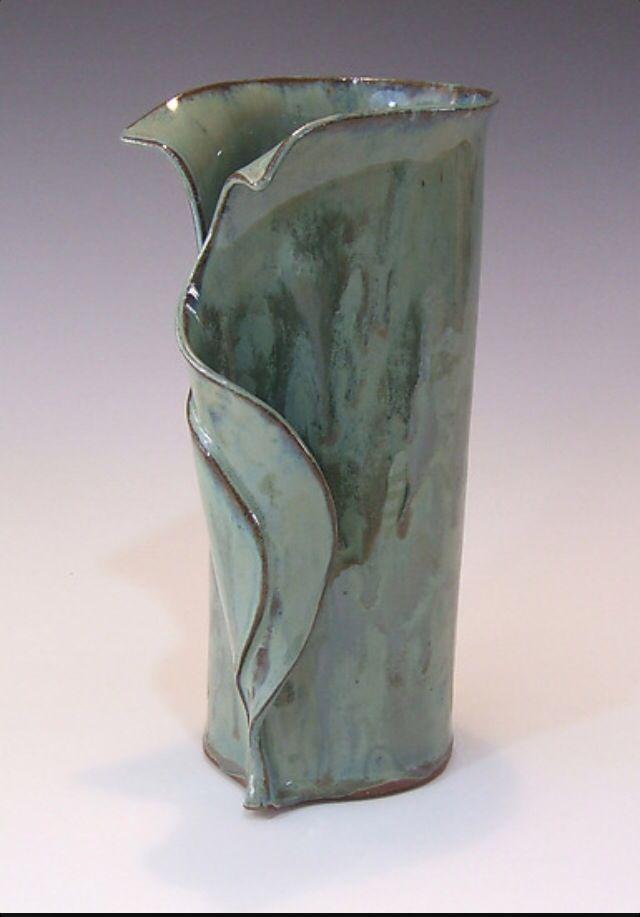 Lily Leaf Vase Art In 2019 Pottery Slab Pottery Pottery Handbuilding