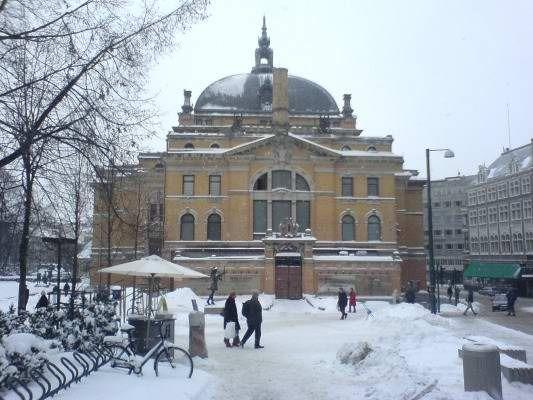 Oslo, Norway - P_15.01.2013 - http://www.istopoli.com/cruise/adminpanel/editor/assets/oslo-theatre-2.jpg