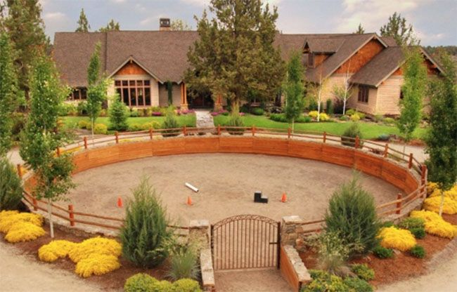 A round pen has a different definition for various individuals – some might think of plain metal pipe fence forming a perfect circle, while others think about pristinely designed round pens. Here are eight round pens to make you think outside of the ordinary design. Above, one of my favorite round pens. This five acre …