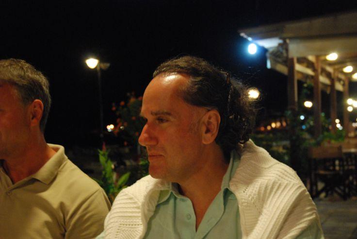 Iosif Alygazakis schreibt und liest auf griechisch: lesefestivalkreta.wordpress.com