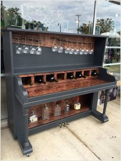 10-wine-bars-created-from-recycled-materials-2