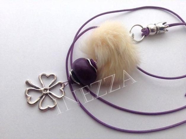 Lederketten - Lange Kleeblatt Kette Fellperle Lederband lila - ein Designerstück von Inezza-Geschenke bei DaWanda