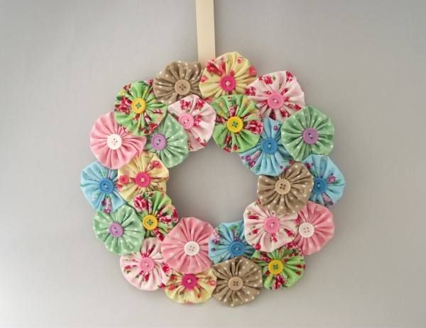 A pretty fabric floral wreath, good for birthday's or any occasion. Size approx. 25.5cm  Price £12.00 + P&P