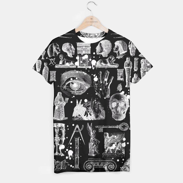 Twój pomysł, Twój wzór, Twój styl! Wyprodukowana z najlepszych dostępnych materiałów koszulka z pełnym, lub częściowym nadrukiem to doskonały prezent na każdą okazję. Stwórz własną koszulkę z marihuaną, galaktyką, kotami lub emoji. Koszulka jak żadna inna jest w zasięgu Twojej ręki. Złap ją!Wszystkie nieużywane artykuły można zwrócić w ciągu 14 dni bez podania przyczyny.Przewidywany czas wysyłki 14 dni.
