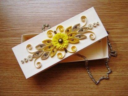 Boîte à bijoux  longue quilling