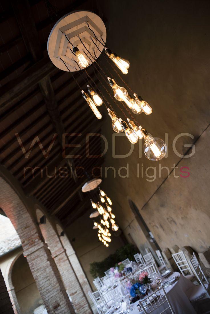 Vintage Edison Bulbs Lamp & Vintage Chandeliers #weddinglighting #weddinglights #weddingday #wedding #stringoflights #stringlights #poolparty #discolights #truss #trussing #weddinglovebug #bridebook #bride #bridal #matrimonio #weddingplanner #uplighting #ledlighting #tuscany #vintage #vintagelighting #chandeliers #edison #bulbs