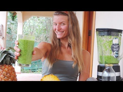 Ricetta frullato verde ananas sedano prezzemolo lattuga avocado