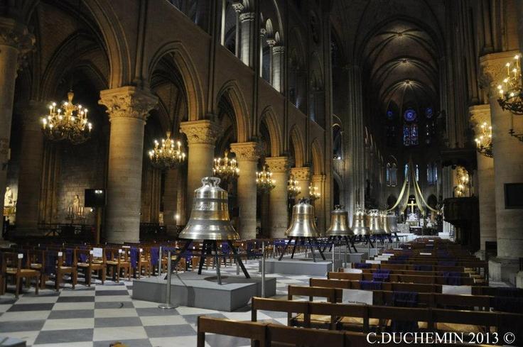 Les nouvelles cloches de Notre Dame de Paris, France