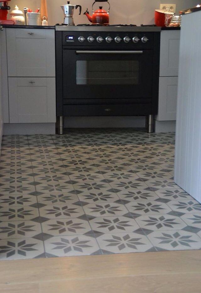 Wat een mooi patroon ontstaat er bij deze Portugese tegels!