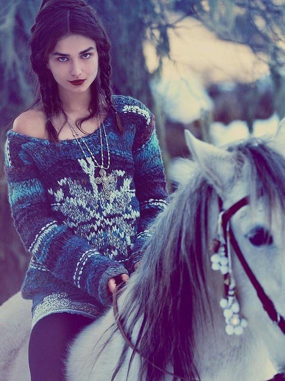 www.pegasebuzz.com/leblog | Horse in Fashion : Free People by Anna Palma