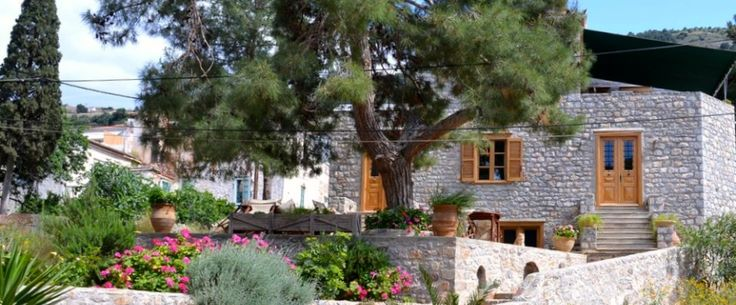 Kodylenia Apartments to rent for holiday lets in Hydra Island Greece - two holiday apartments in Kamini