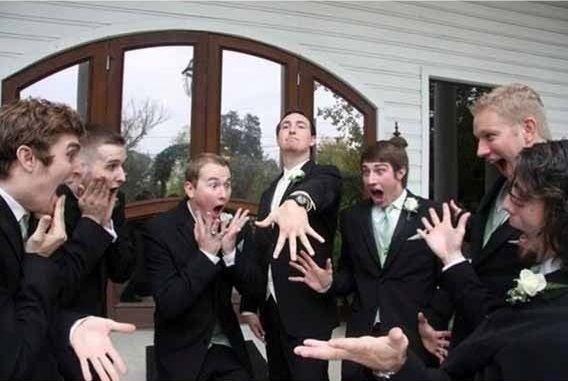 Des idées pour mettre en scène vos photos de mariage ? Les clichés le jour J, oui, on ne les néglige pas, on veut qu'ils soient au top ! Seulement, vous ne