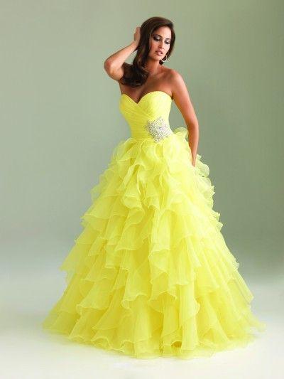 Very flattering prom dress! #NightMovesProm #prom #promdresses #InternationalProm #Prom360