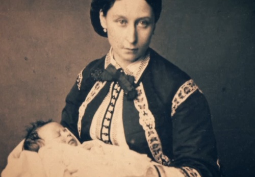 Queen Victoria was so annoyed by Princess Alice's decision to breastfeed her children that she named a cow in one of her dairys after her. Apparently Queen Victoria wasn't keen on children including hers!
