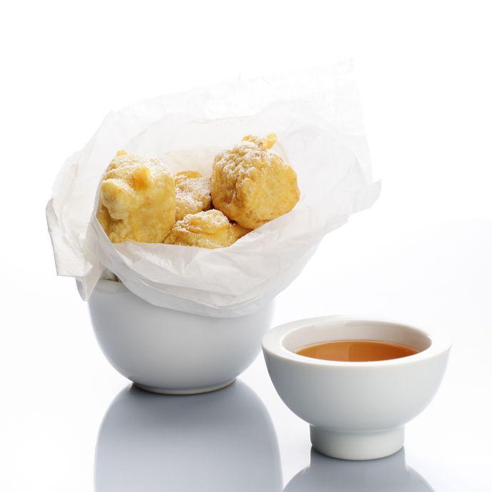 Receita de Bolos fritos de banana com mel | :: as melhores receitas de sobremesas de leonor de sousa bastos | flagrante delícia ::