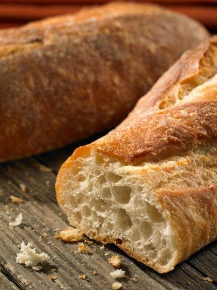 Gibt es etwas Besseres als ein frischgebackenes Brot? Ja - ein frisches Brot, das nicht geknetet werden muss! Mit nur wenigen Handgriffen Brot selber backen.