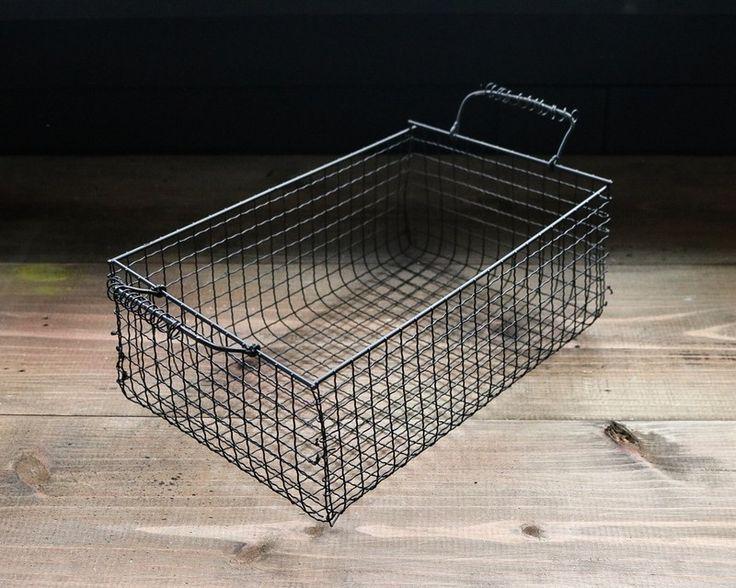 大人気100均の焼き網リメイク。 本来はバーベキューをしたり、魚を焼いたりするのに使いますが、この焼き網がとにかくインテリアに使えるんです!