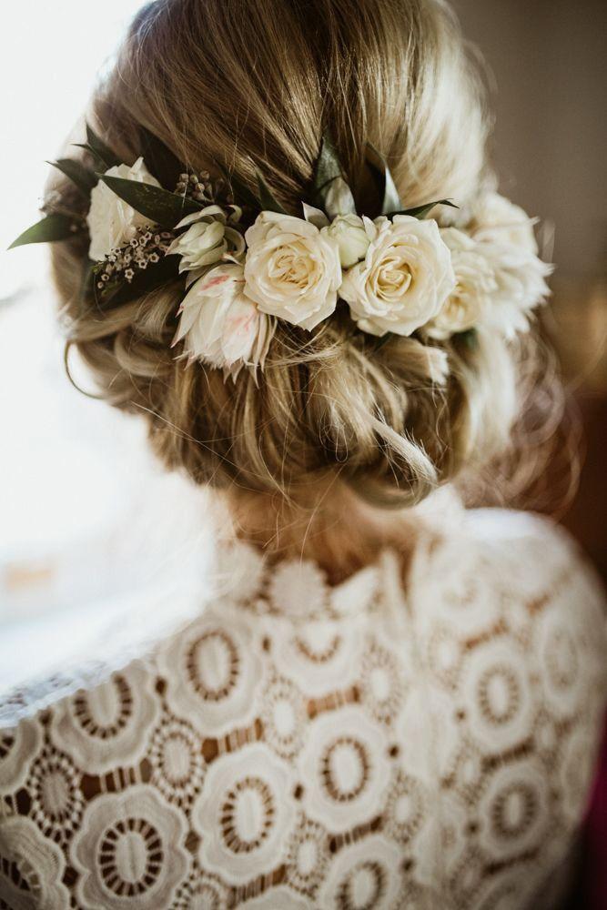 30 Pretty Cool Rustic Wedding Hairstyles Rustic Wedding Hairstyles Bride Hair Flowers Elegant Wedding Hair