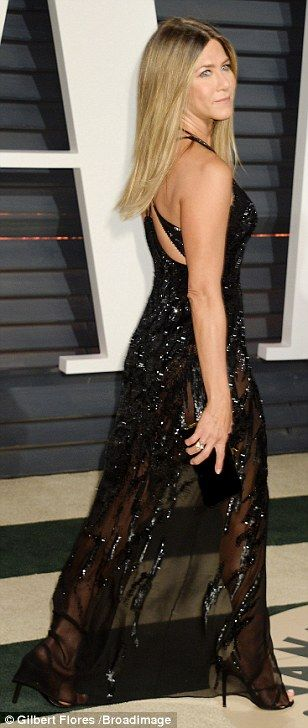 Jennifer Aniston leads the glamour at Vanity Fair Oscars bash