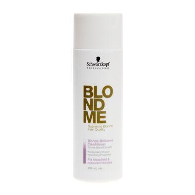 Schwarzkopf Blondme Brilliance Condicionador deposita queratina e extrato de seda nos cabelos. Protege os fios contra o desbotamento da cor. Deixa os cabelos louros com uma qualidade suprema.