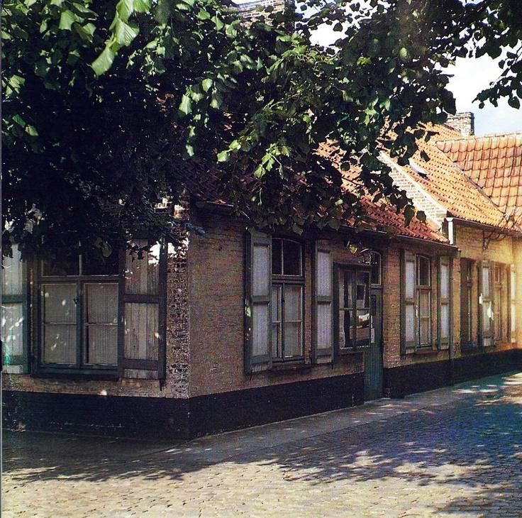Sint-Kruis De Zorge als gemeentehuis