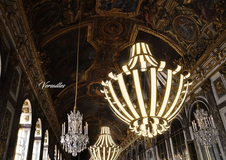 """Versailles"" chandelier  winner 2nd prize of LG OLED Light Design Competition"