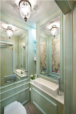 Transitional (Eclectic) Bathroom by Guillaume Gentet. I think I've found my bathroom. With a few changes. Love it.
