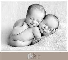 I love this picture!  Twin babies!!