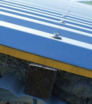 Pannello metallico coibentato per copertura TEK 28 - Alubel